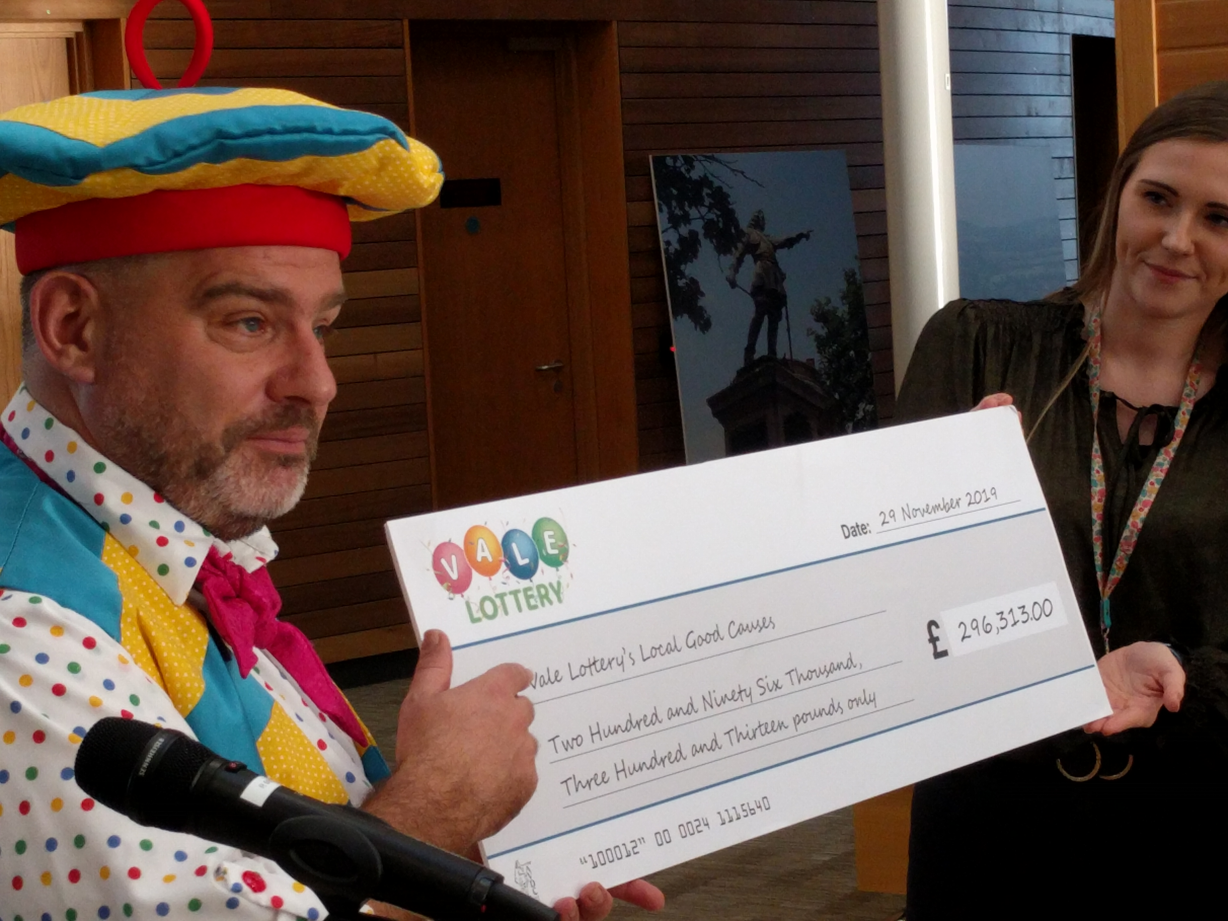 Andy Collins with Vale Lottery cheque